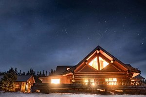 Rustic Luxury in the Canadian Wilderness